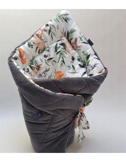 ROŻEK niemowlęcy 75x75 cm Sarny i wiewiórkii z Velvet ciemno szary pikowane caro