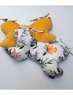 Poduszka Motylek Lesne Zwierzątka z velvet musztardowy pikowany caro