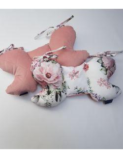 Poduszka Motylek Kwiaty z velvet smoky roz pikowany caro