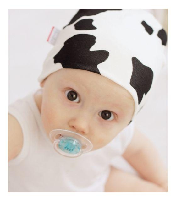 Bawełniana czapeczka niemowlęca - Krowa