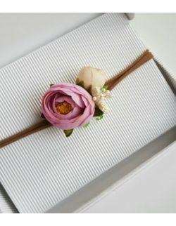 Wianek z peoni liliowo-kremowy