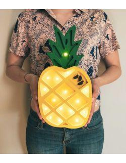 Drewniana lampka ananas