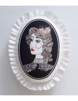 Poduszka dekoracyjna La Lune z falbaną - Dama z lilią