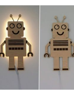 Drewniana lampka ludzik