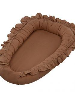 Lniane gniazdko niemowlęce z falbanką , czekolada