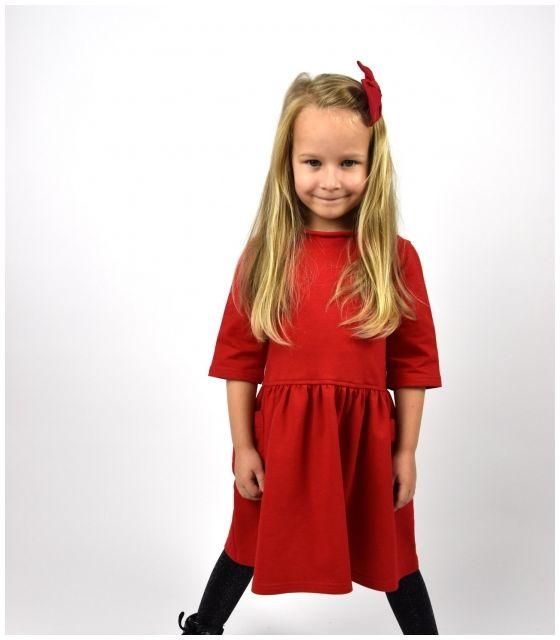 dzianinowa sukienka z kieszeniami dla dziewczynki czerwona