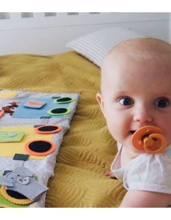 TimoSimo Książeczka książka sensoryczna Kolejka Safari 1+