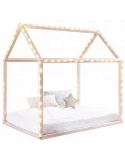 Drewniany domek dla dzieci - dekoracja