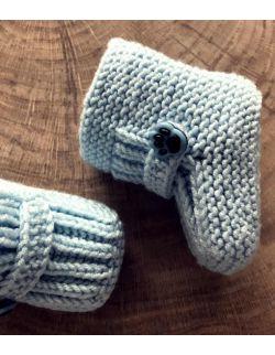 Handmade niebieskie wełniane buciki chłopięce papcie