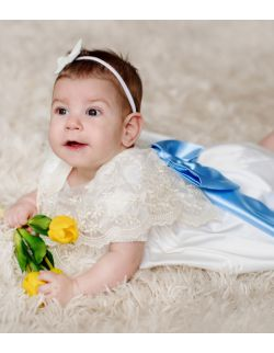 Mela ecru elegancka sukienka dla dziewczynki z koronką i kokardką