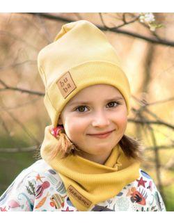 Jesienna czapka z kominem-musztardowa.