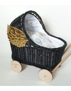 Wiklinowy czarny wózek dla lalek ze skrzydłami, pchacz+ pościel