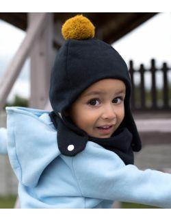 Zimowa dziecięca czapka pilotka czarna z pomponem