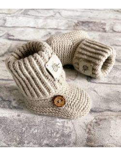 Wełniane buciki niemowlęce z guziczkiem