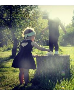 Black Sheep Dziewczęca Sukienka z serduszkiem, Czarna