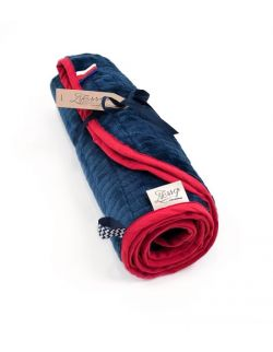 Kocyk FloppyLove Navy Blue & Red Tags