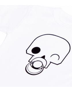 Białe body z czaszką