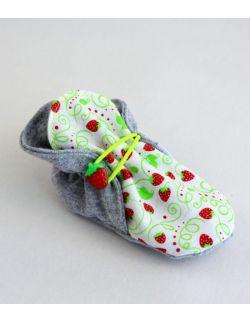 Letnie buciki niemowlęce Truskawki