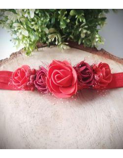 Opaska Wianuszek Czerwone i Bordowe Róże na Czerwonej Gumce