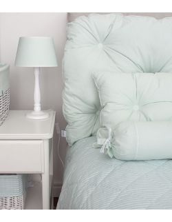 Poduszka na łóżko pikowana guzikami miętowa