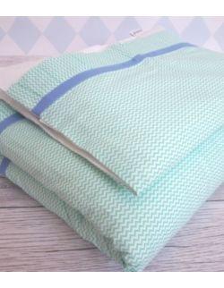 Pościel z plisem z białej bawełny w turkusowy zygzak
