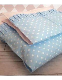 Pościel z plisem z błękitnej bawełny w białe kropeczki