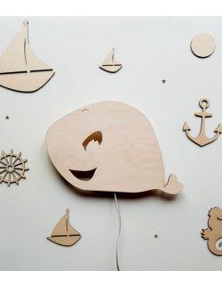 Drewniana lampka nocna - Wieloryb