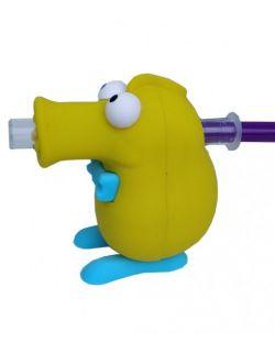 Marvin do podawania leków - zdjęcie ze strzykawką z syropem