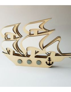 Drewniana lampka nocna Statek