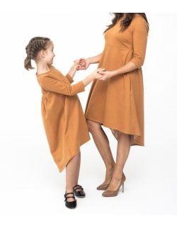 KOMPLET SUKIENEK DLA MAMY I CÓRKI Z PRZEDŁUŻONYM TYŁEM - KARMEL