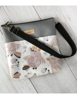 torebka dla dziewczynki Ninki® ekoskóra (różowe ptaszki na białym tle)