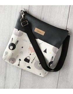torebka dla dziewczynki Ninki® ekoskóra (czarne zwierzątka na białym tle)