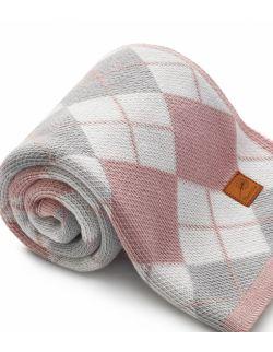 Ciepły bawełniany kocyk w kratę- różowy