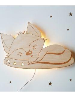 Drewniana lampka nocna - Lisek na poduszce