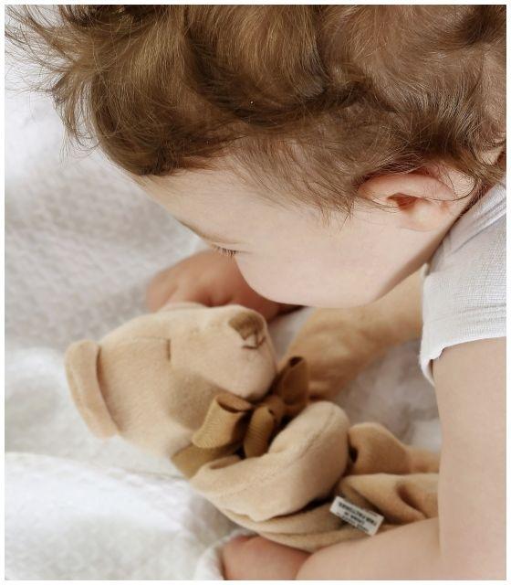 Przytulanka komforter z bawełny organicznej miś Cubby - Maud N Lil