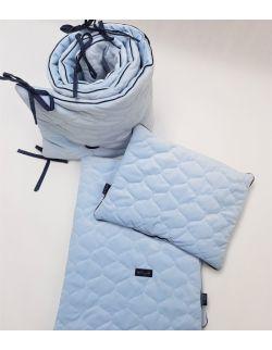 Komplet do łóżeczka Velvet błękitny z wypustką , pikowany bączki - kocyk, poduszka, ochraniacz